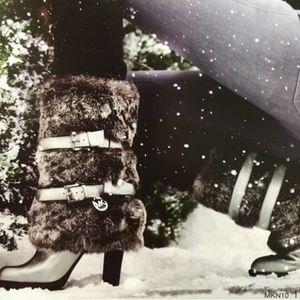 Micheal Kors Carlie Fur Silver Stacked Heel 8M